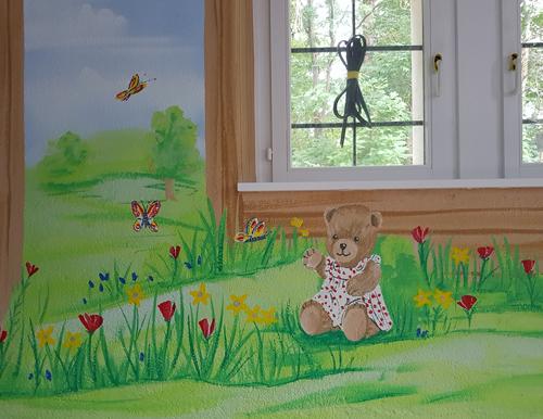 Bärenhaus Kita, mit Wandmalerei