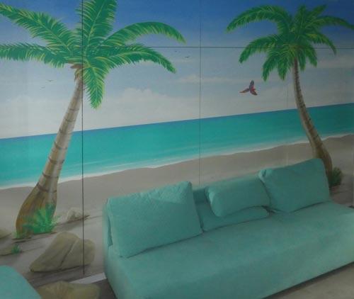 Wandmalerei mit Palmenstrand