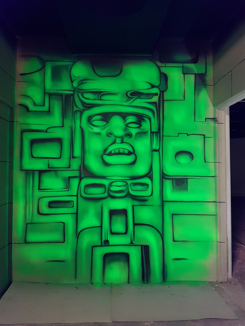 Wandmalerei Urwald Tempel mit Schwarzlicht