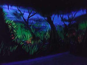 Urwald Wandmalerei mit Schwarzlicht