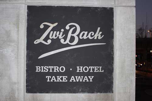 Fassadenbeschriftung 'ZwiBack'